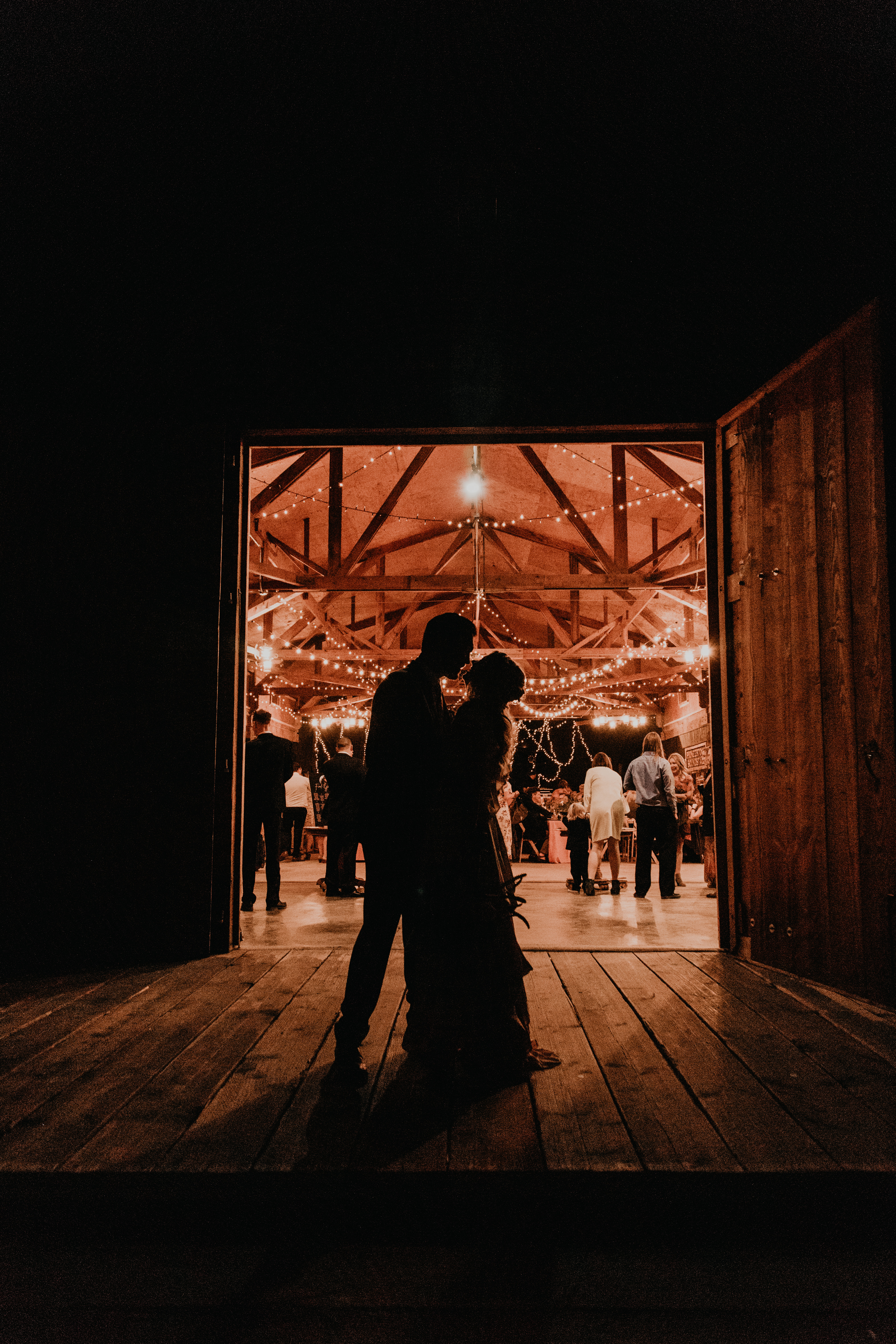 Sillhouette of bride and groom in Pioneertown Soundstage Wedding, photo by Fatima Elreda Photo