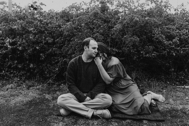 Black and white image of cute couple, image by Fatima Elreda Photo